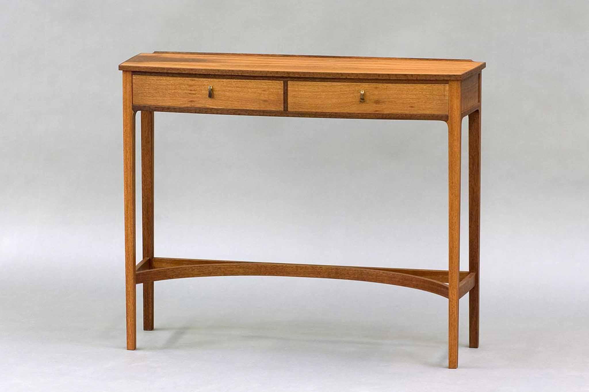 Edward Barnsley Style Side Table « The Krenov School Of