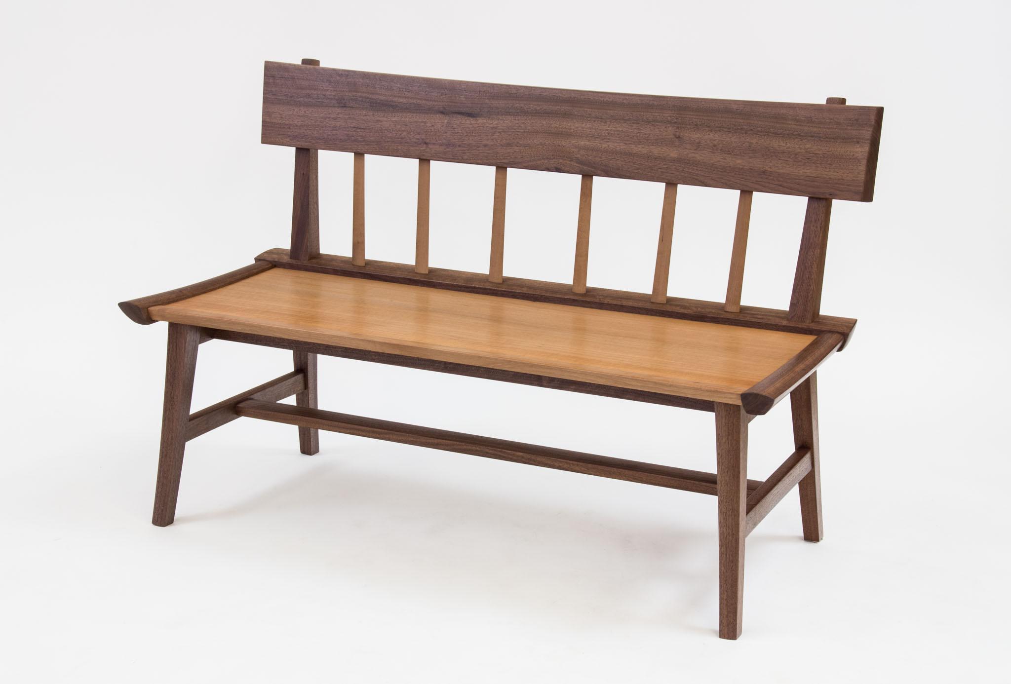 Merk Bench