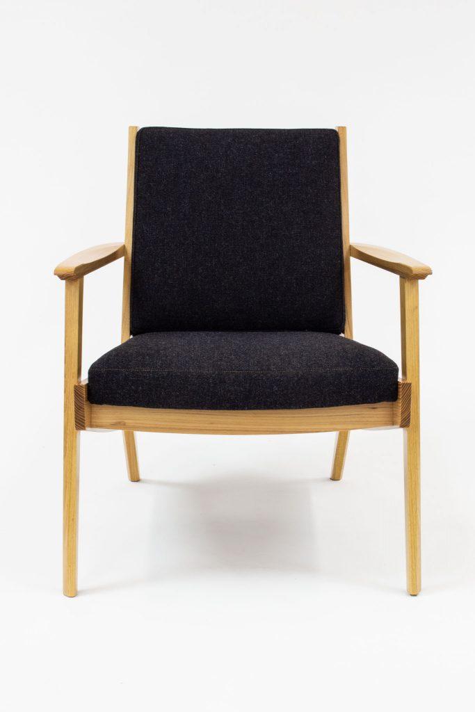 Pool locust chair