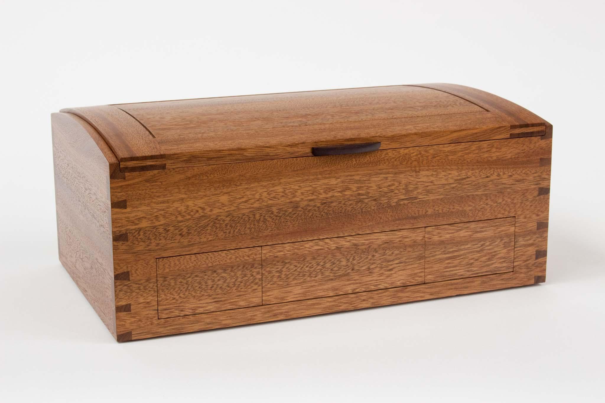 Wong mahogany box