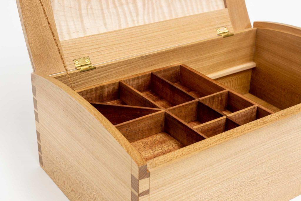 Keoni dovetail box