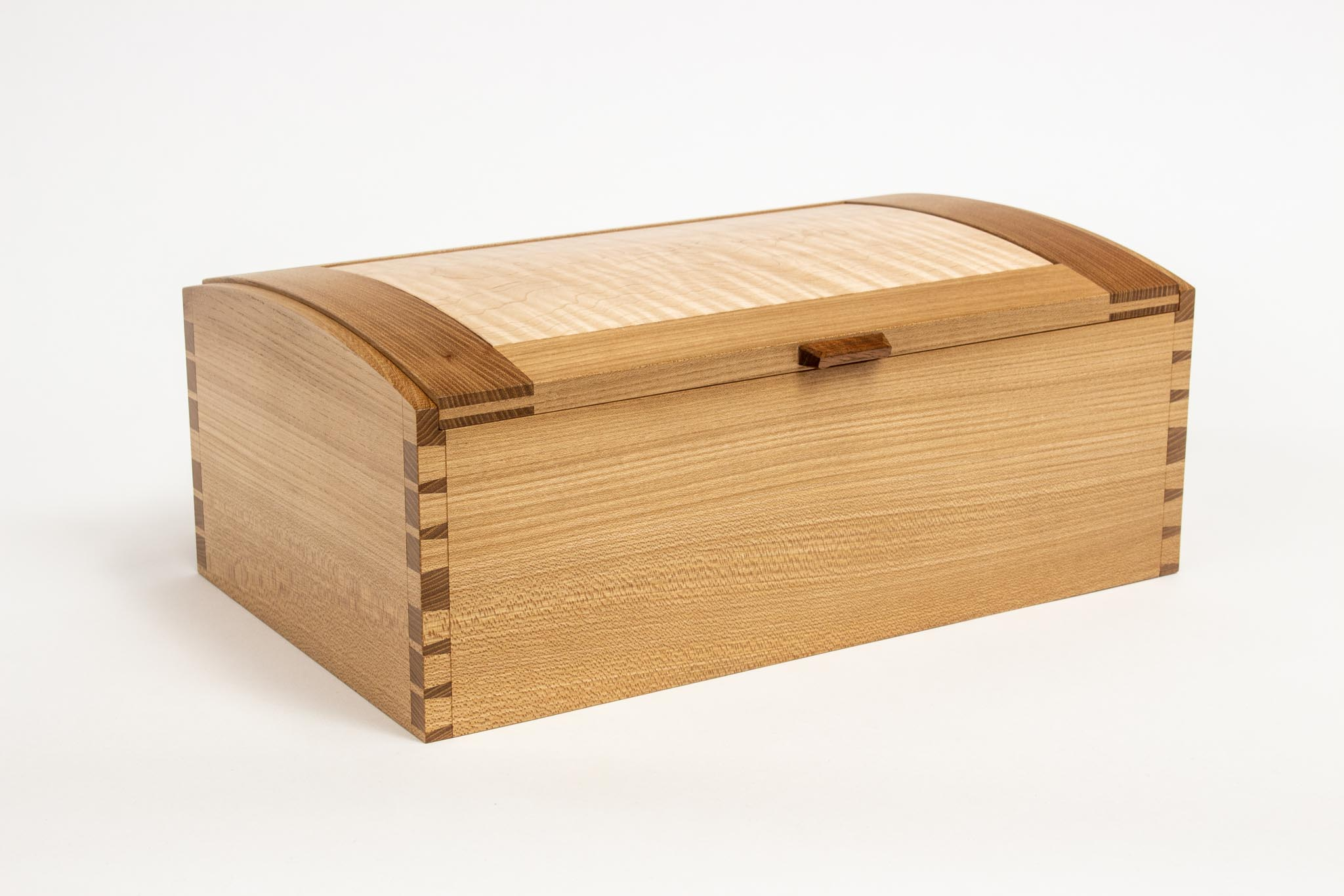 Keoni dovetail box