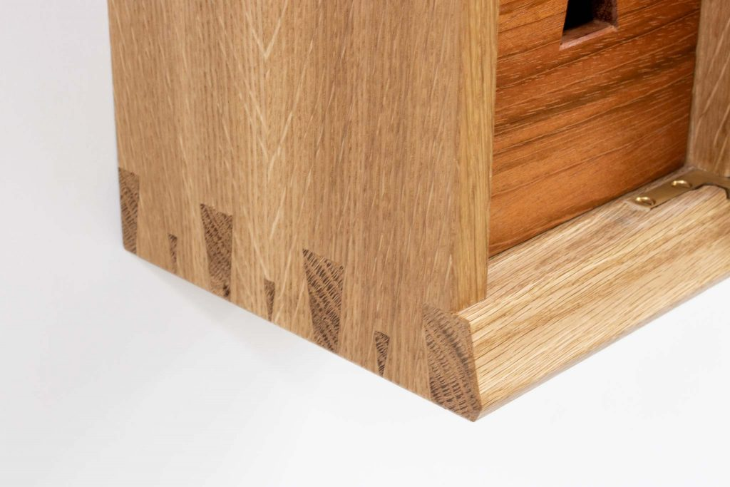 Voyager Oak Wall Cab