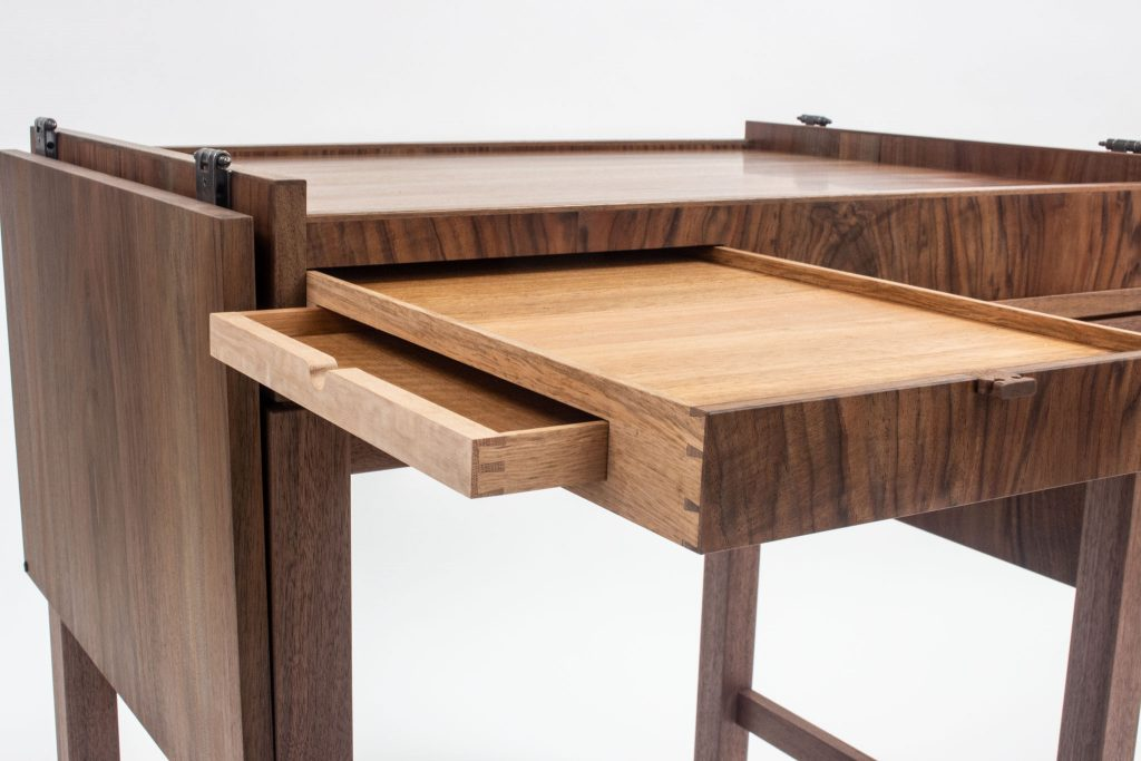 Muscat Table
